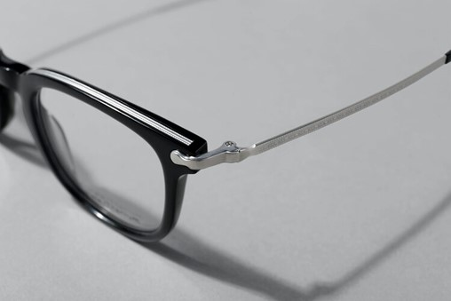 DANSHARI offers an exclusive collection made of acetate and pure Japanese titanium