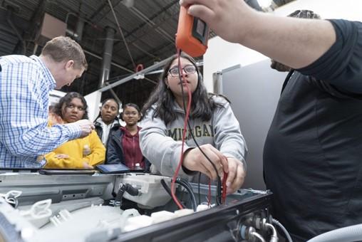 Samsung Care Hosts NJ High School Students to Highlight Workforce Development