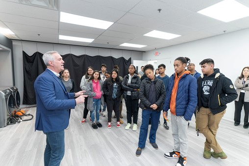Samsung Care Hosts NJ High School Students to Highlight Workforce Development