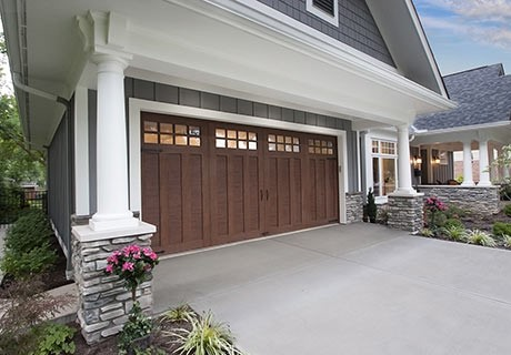 FAUX WOOD-LOOK CARRIAGE HOUSE GARAGE DOORS