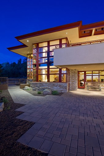 The Hinshaw Residence, another example of Organic Architecture designed by Michael Rust.