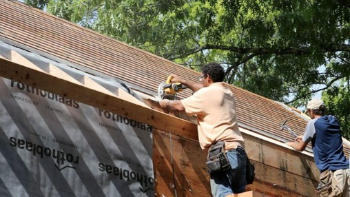 An Alternative Way to Install Roof Overhangs