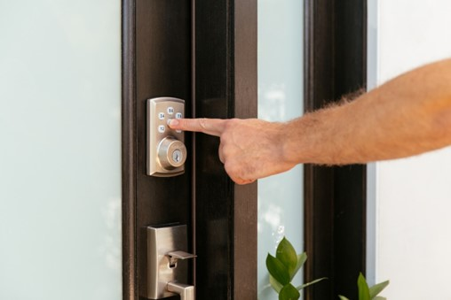 Vivint Smart Lock Reviews: What Are People Saying?
