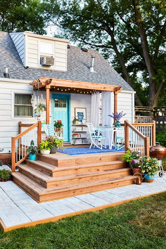 11 Budget-Friendly DIY Ideas to Steal From This Colorful 12x12-Foot Deck