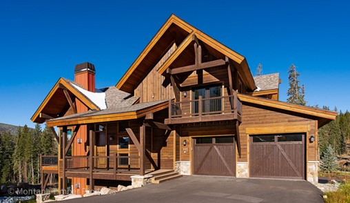 Duplex Built in an Extreme Climate using ranchwood™