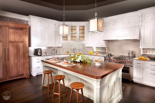 4 Tips for Designing a Functional Kitchen for Entertaining