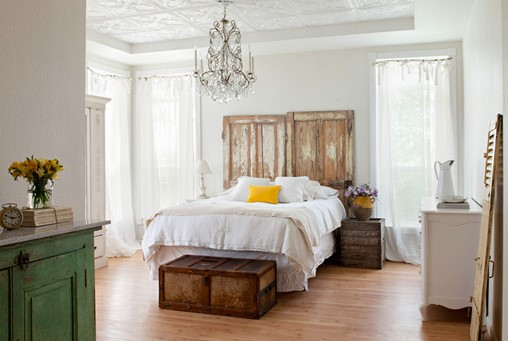 10 Must-Know Tips for Finding and Decorating with Architectural Salvage
