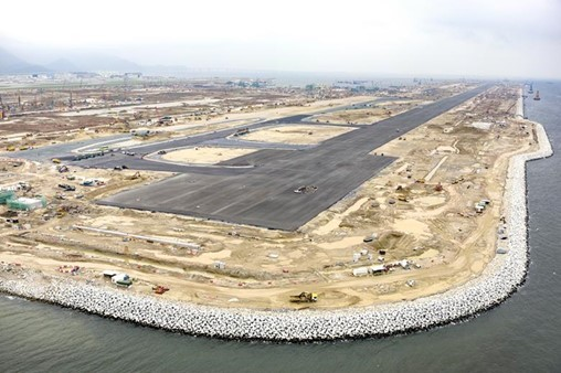 Hong Kong airport third runway on track for 2022 opening