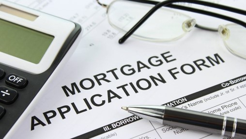 Mortgage borrowing cools in April following record high