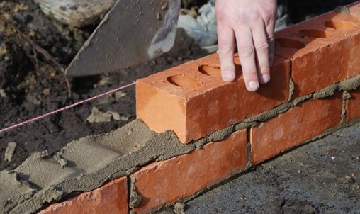 Can Persimmon and Taylor Wimpey deliver improving share price performances?