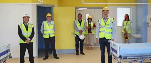Senior Politicians see new HMflex demo ward at Wernick Factory